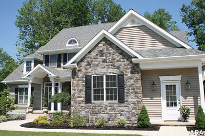 Decor ideas manufactured stones fun decor exterior colors black shutters side exterior - Houses natural stone facades ...