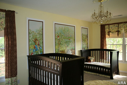 Wallpaper murals in kid's room
